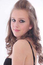katie's portfolio: i am 5ft 10, size 8-10, my eyes are green, i have long hair and the colour is lightish brown