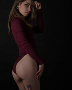 New face female model amber from Belgium