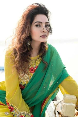 New face femminile modello Aadhya from India