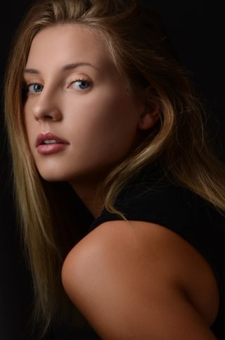 New face femme Mannequin Eilidh from Royaume-Uni