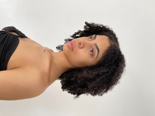 New Face weiblich Model Aaliyah from USA