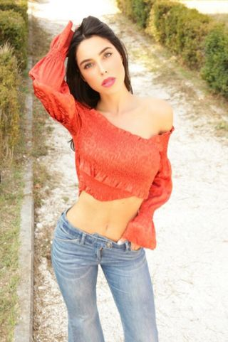 New face female model Cristy from Italy