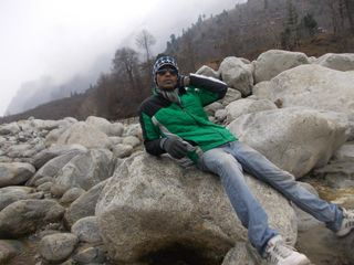 sit on the rocks..!!