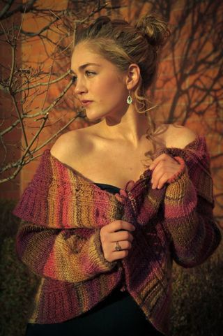 Sophia Lily Modeling: Setting spring sun - multicolored sweater. 