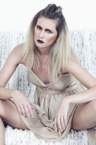 New face femme Mannequin Iulia from France