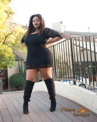 plus size curvy model