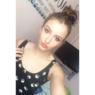 Full face makeup,hair up