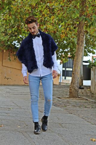 Im From Spain, I born in January of 1996. I have a fashion blog: www.jorgitosuxx.com