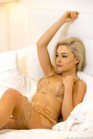 Amber Karis Bassick Nude Photos 14