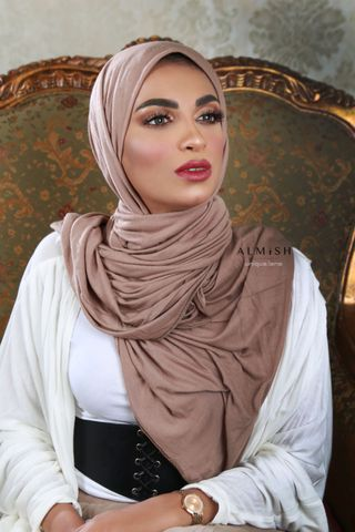 New face female model khairat from United Arab Emirates