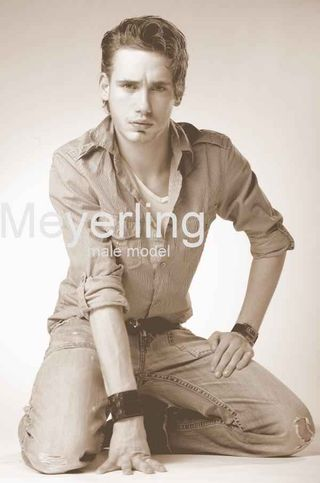 New face Maschile modello Meyerling from Germania