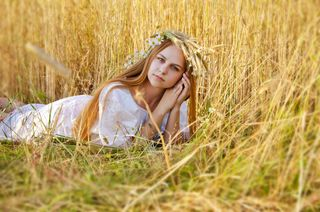 Yulya model девушки на работу в париж