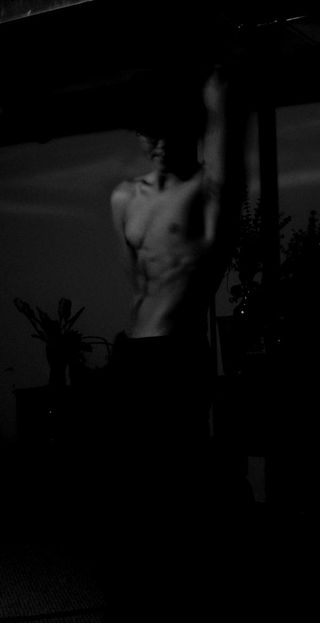 BW Side Abdominal Shot: Just a picture i took to emphasive my build and figure.