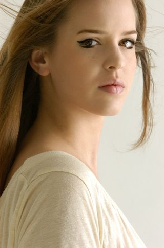New face female model LindaLee from Switzerland