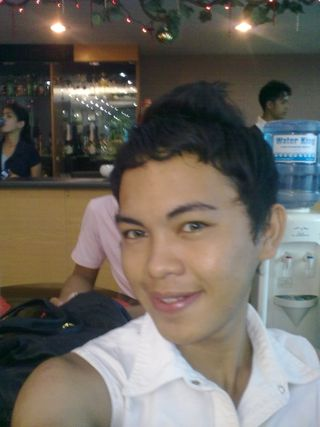 this was taken last august 03 during the pictorials of my friends birthday...