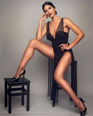 koreai meztelen modell