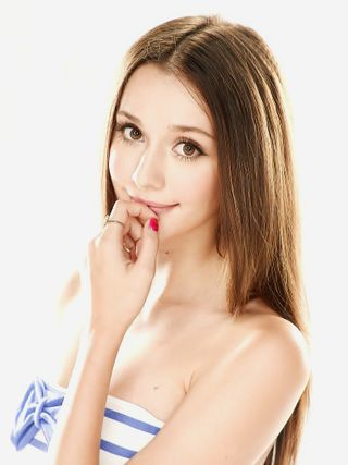 New face Female model Larisa from Taiwan