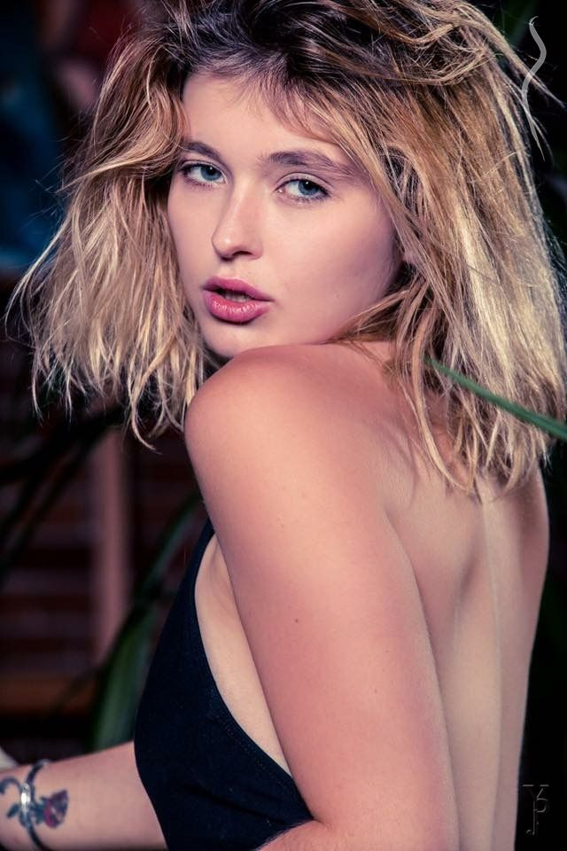 Carissa Santigate - a model from United States | Model Management