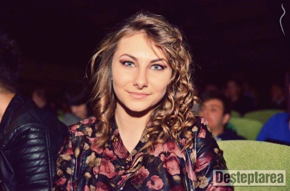 Adochiţei Laura Gabriela - a model from Romania   Model