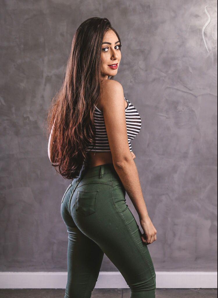 Model larissa как стать вебкам моделью девушке с телефоном дома